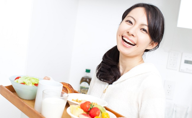 授乳中の食事のイメージ