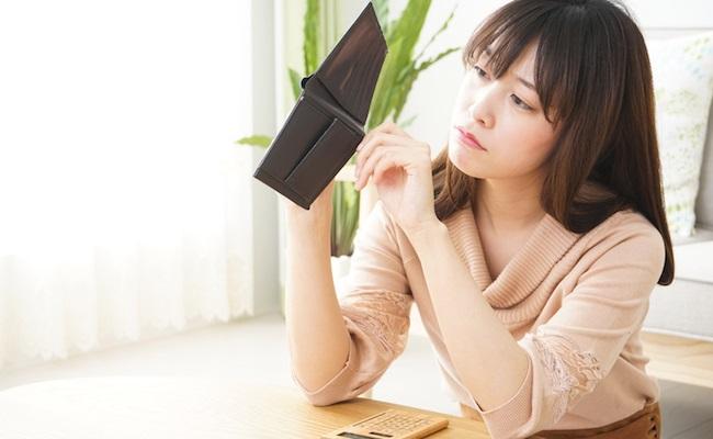 お金が貯まらない人のイメージ