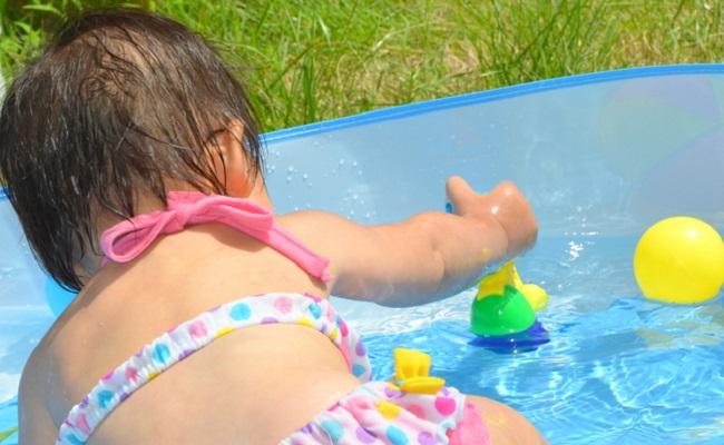 プール遊びのイメージ