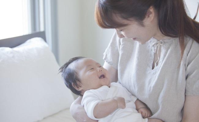 笑顔の赤ちゃんのイメージ