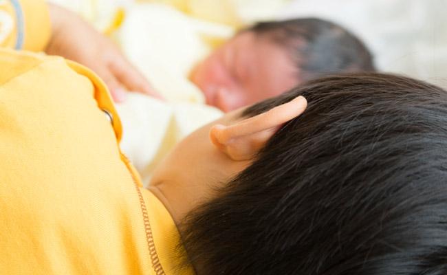 赤ちゃんとお兄ちゃんのイメージ