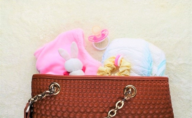 ママの手荷物のイメージ