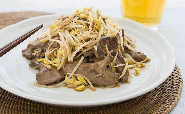 管理栄養士監修レシピ「豚はつと豆もやしの炒め物」