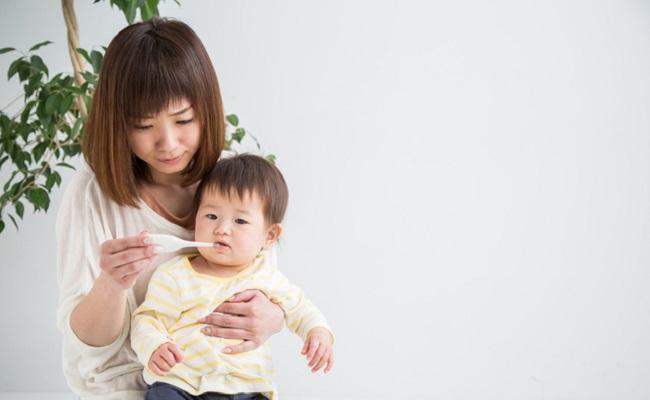 熱のある赤ちゃんのイメージ