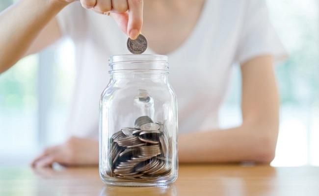 家族の将来のために貯金のイメージ