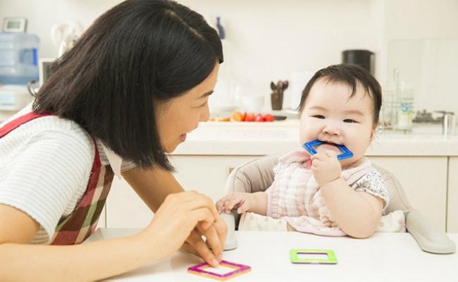 赤ちゃんの発達遊び