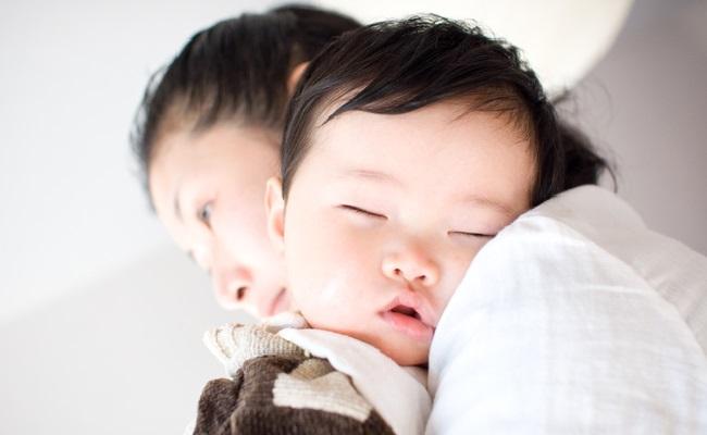 赤ちゃんの寝かしつけのイメージ