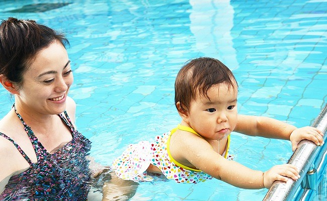 親子でプール
