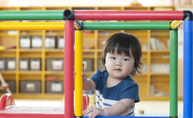 遊具と子どものイメージ