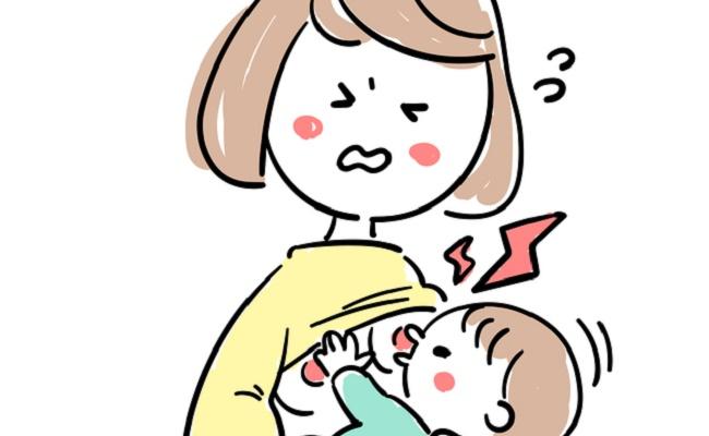 乳首が切れて痛がっているママのイメージ