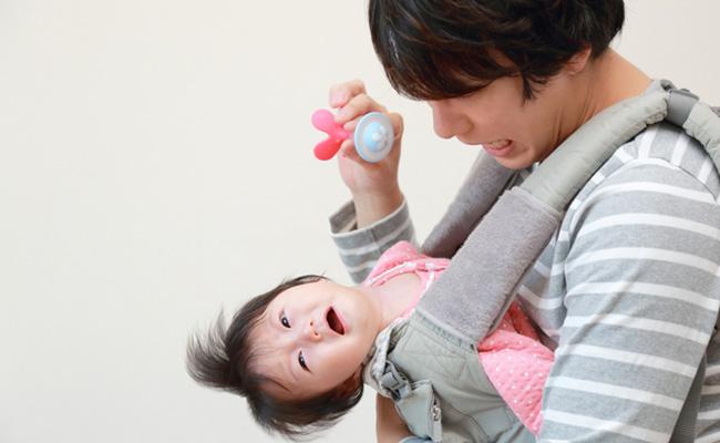 パパ見知りする赤ちゃんのイメージ