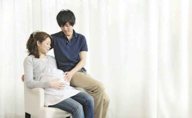 出産を控えた夫婦