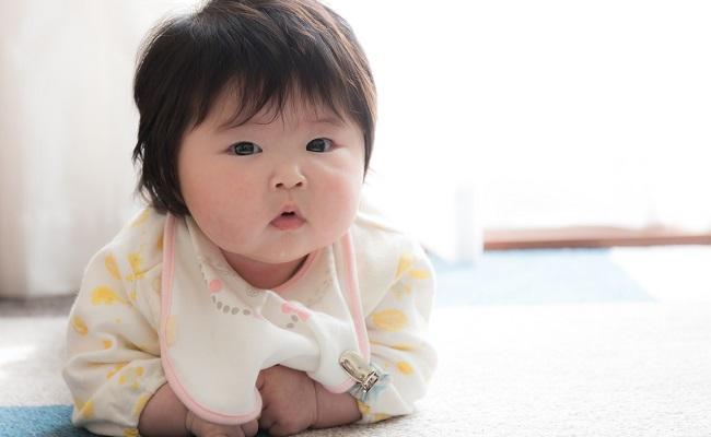 生後5カ月の赤ちゃん