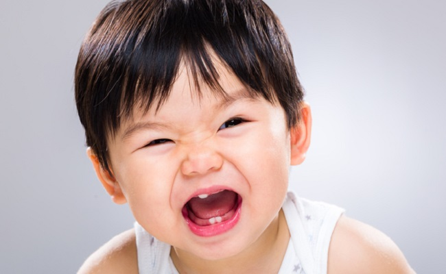 痛い!赤ちゃんに乳首を噛まれる。原因と対象法を助産師が解説!