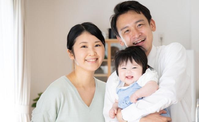 約8割が子育てに協力的!「パパの子育てに関するアンケート」の結果は?