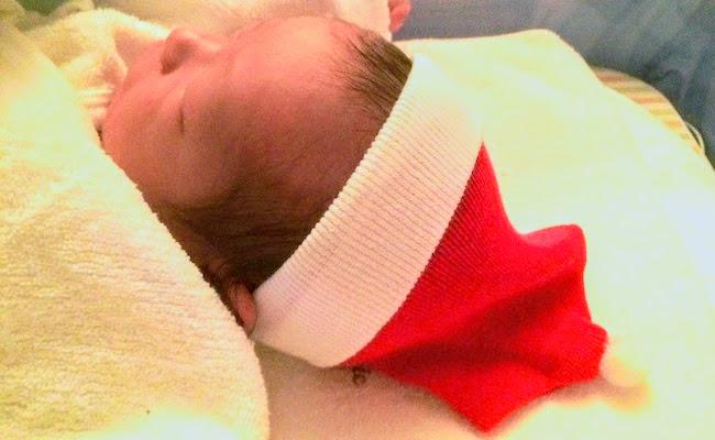 サンタ帽子の赤ちゃん