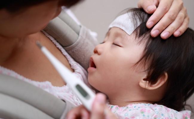 赤ちゃん発熱のイメージ