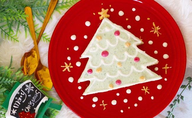1歳〜1歳6カ月ごろ(離乳食完了期)のレシピ「野菜ヨーグルトのクリスマスケーキ」