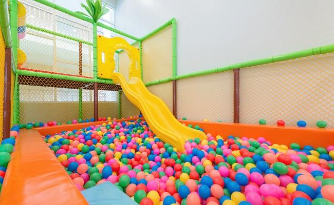 商業施設のボールプール