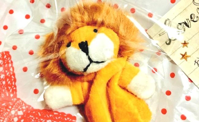 手紙とライオンマスコット