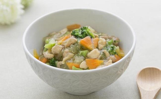 1歳~1歳6カ月ごろ(離乳食後期)のレシピ「鶏の中華丼」