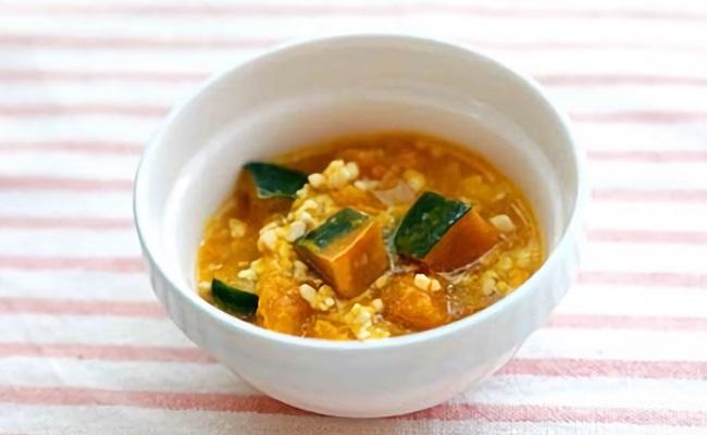 7~8カ月ごろ(離乳食後期)のレシピ「鶏とかぼちゃのそぼろ煮」