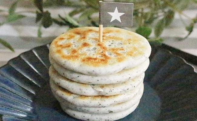 9~11カ月ごろ(離乳食後期)のレシピ「簡単!米粉のシンプルなパンケーキ」