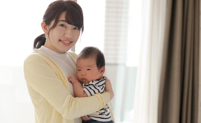 赤ちゃんの抱っこのイメージ