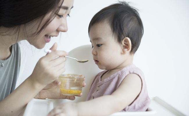 離乳食を食べない赤ちゃんのイメージ