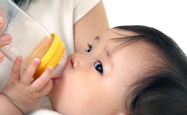 哺乳瓶のイメージ