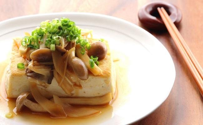 管理栄養士監修レシピ「豆腐ステーキ きのこソース」