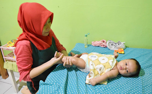 産後の赤ちゃんは疲れている?!