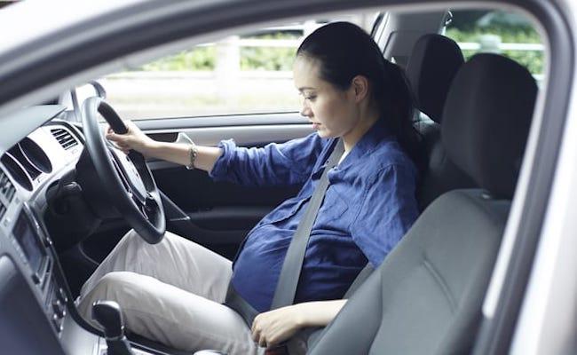 妊婦さん運転中