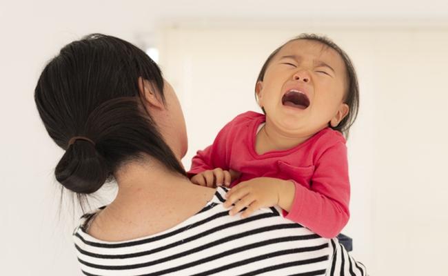 泣きわめく赤ちゃんのイメージ
