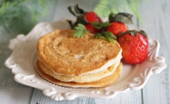 9~11カ月ごろ(離乳食後期)のレシピ「ばななみるくパンケーキ」