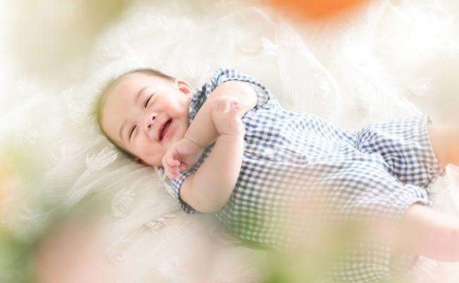 生後2~3カ月ごろの赤ちゃんのイメージ