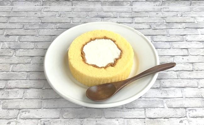 ローソン「復刻版プレミアムロールケーキ」