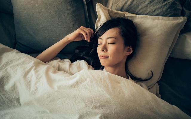夜ランニングで熟睡イメージ