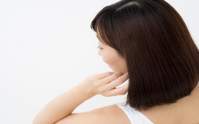ミランダ・カーも絶賛!?加齢でツヤをなくしてパサパサになった髪が湯シャンでよみがえる【体験談】