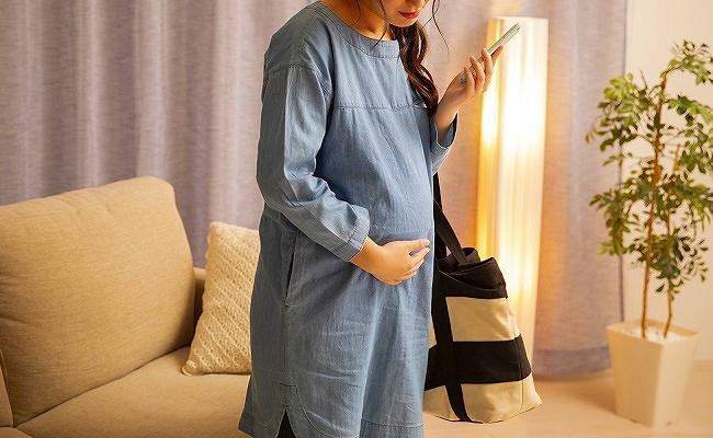 陣痛中の妊婦さん