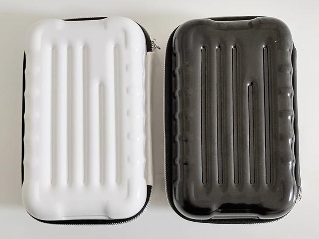 ダイソーのスーツケース型ポーチ