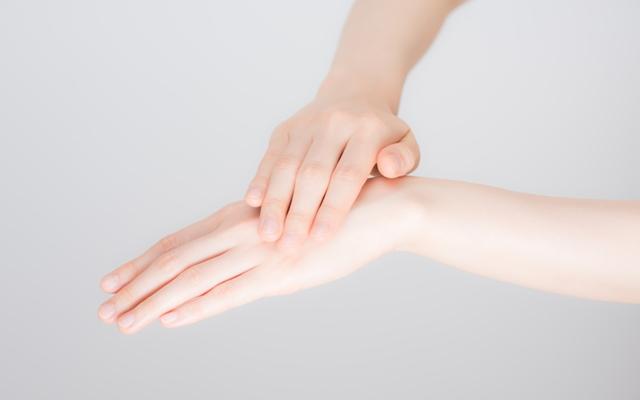 年齢予測の指標となる手肌!ほんのひと手間でできるハンドケア【体験談】1