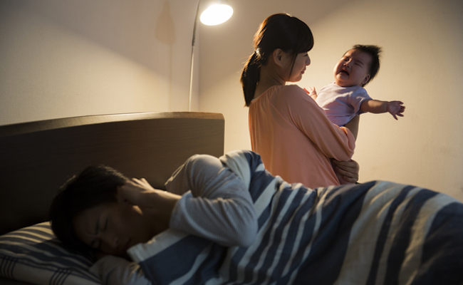 寝ない赤ちゃんのイメージ