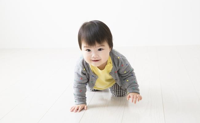 床に蓄積する不快物質から赤ちゃんを守ろう! 菌やウイルスを寄せ付けないフローリング素材を徹底解説