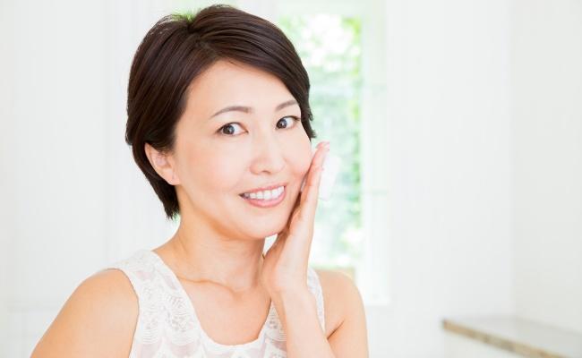 女性 健康的な肌
