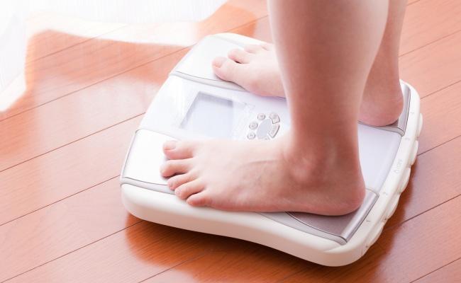 女性 体重チェック