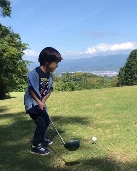 天才ゴルフキッズ りひと君