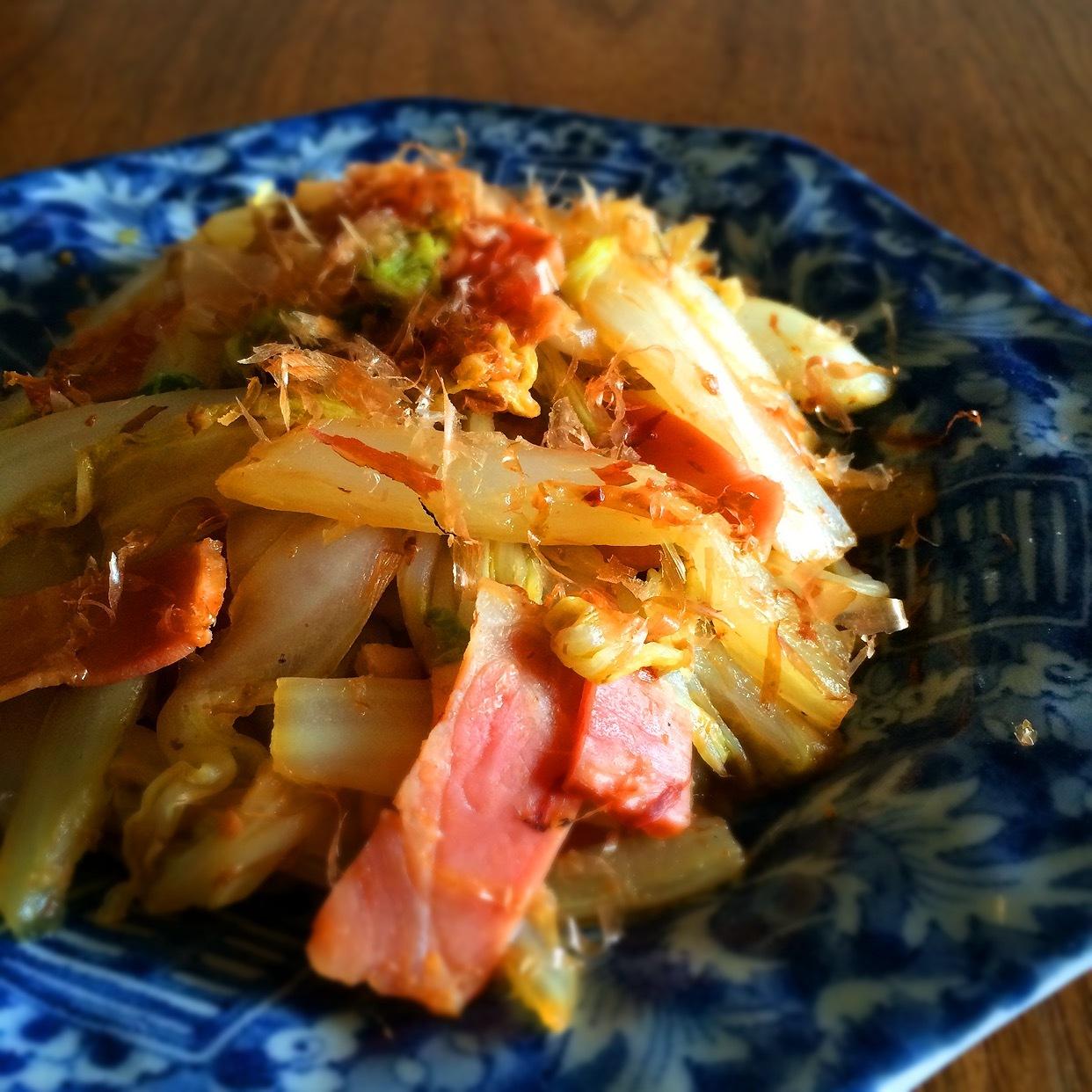 白菜の茎とベーコンのおかか炒めの画像