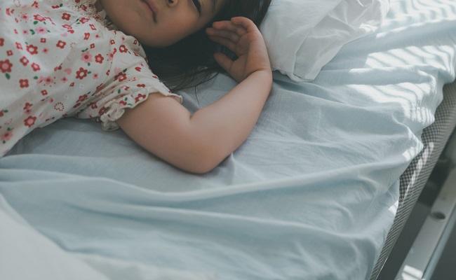 入院中の女児