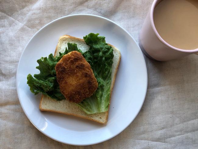 業務スーパー プリプリえびカツでサンドイッチ